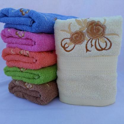 ЛИЦЕВОЕ махровое полотенце с вышивкой. Махровые полотенца фото 101-2