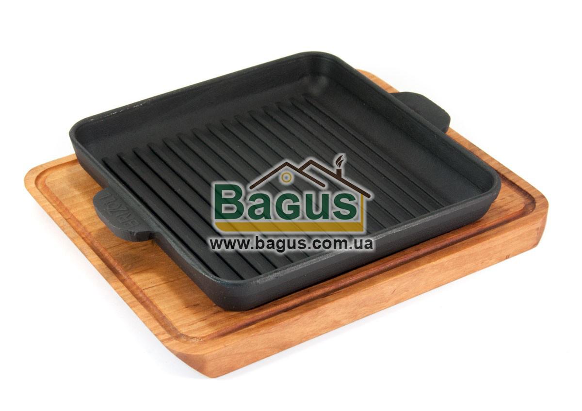 Сковорода-гриль чугунная порционная квадратная 180х180х25мм на подставке с выемкой Brizoll Н181825Г-Д