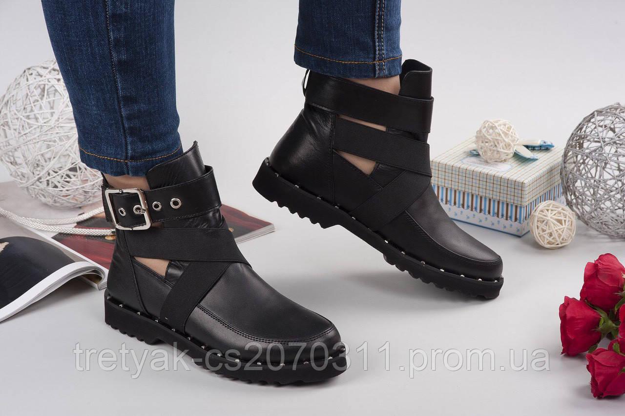 Стильные женские ботинки с пряжками весна - осень