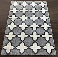 Мягкие бело-серые ворсистые ковры