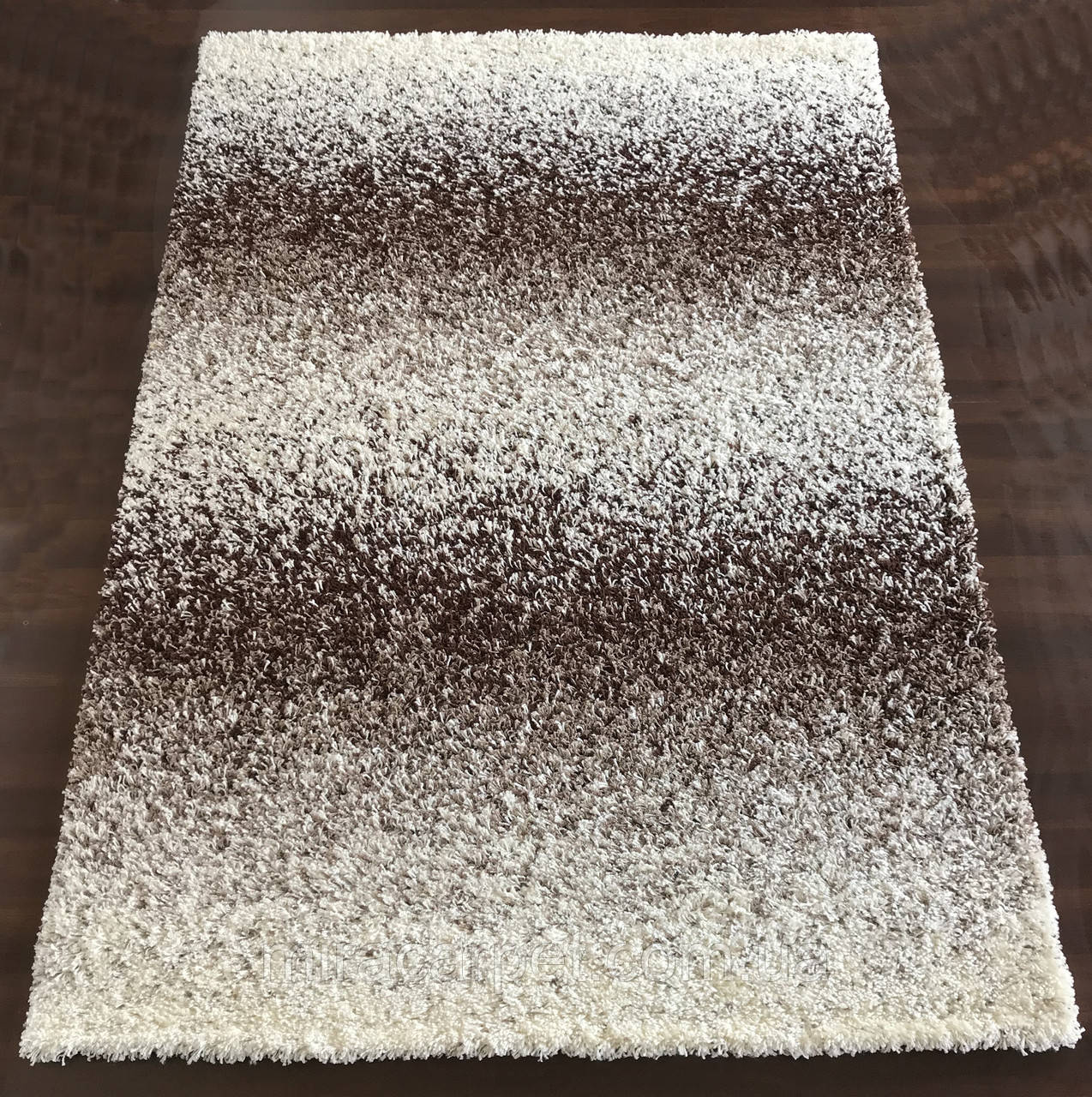 Резние ковры шоколадно-белые