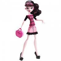 Кукла Monster High Basic Travel Draculaura Дракулаура Скариж