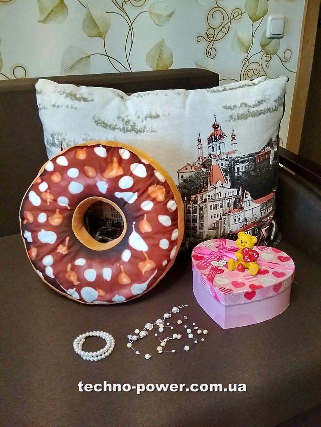 Игрушка-подушка Пончик
