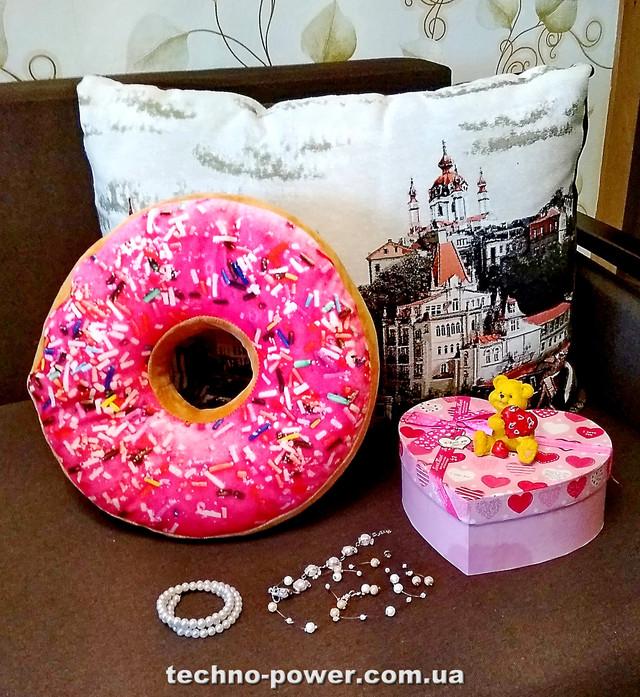 Подарочная подушка с фотопринтом Пончик