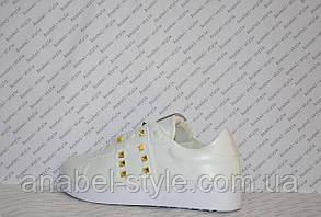Кеды женские белого цвета на шнуровочке украшены шипами эко-кожа Код 1362, фото 3