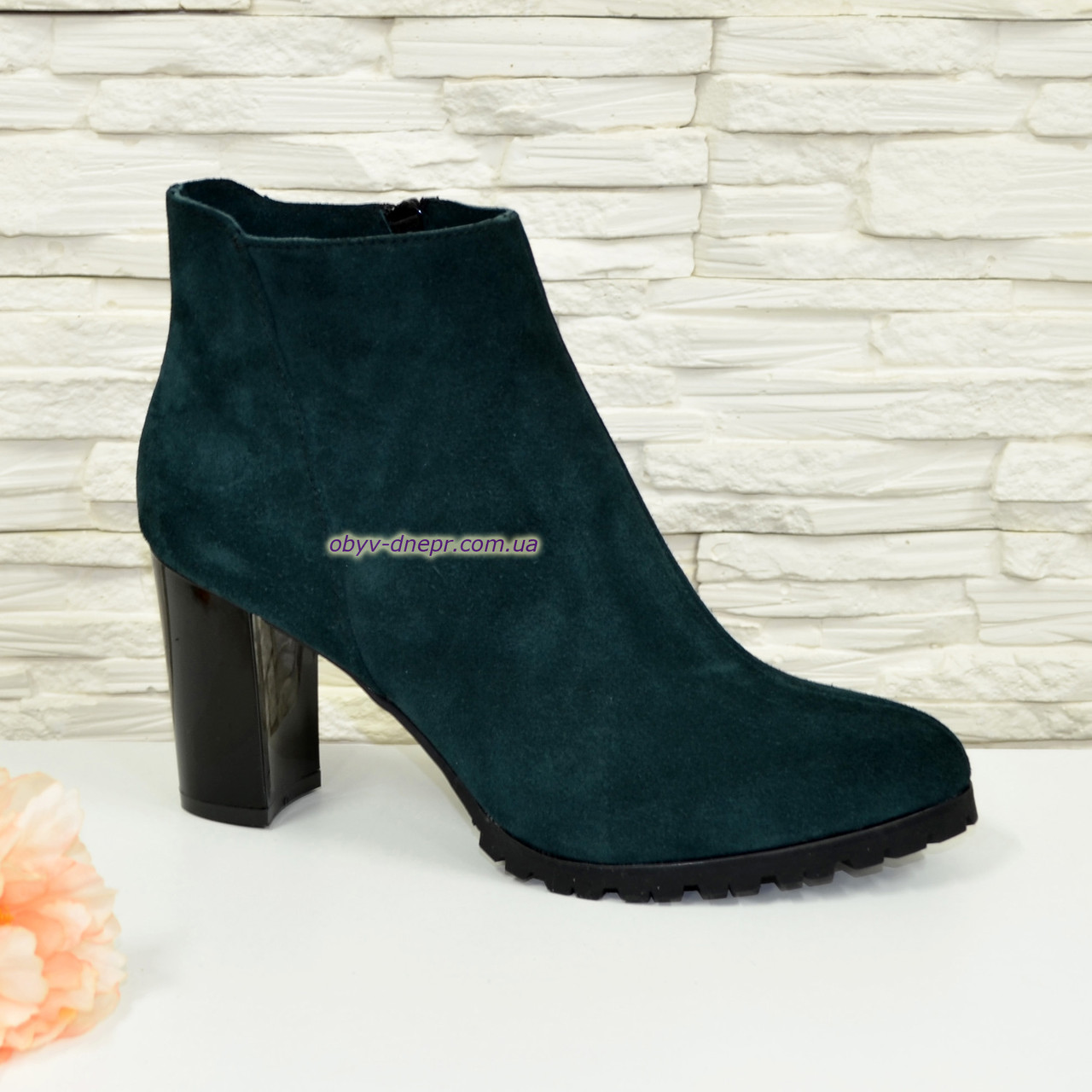 cbff75a5edd5 Ботинки женские зимние замшевые на устойчивом каблуке, цвет зеленый ...