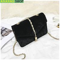 Маленькая черная велюровая сумочка