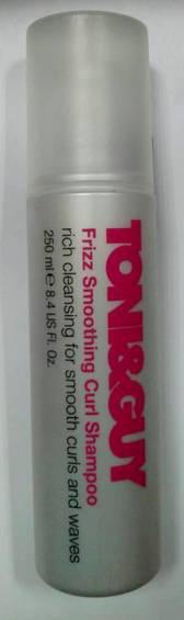 Toni & Guy Frizz Smoothing Curl шампунь для сухого і неслухняного волосся Frizz Smoothing Curl (250 мл)