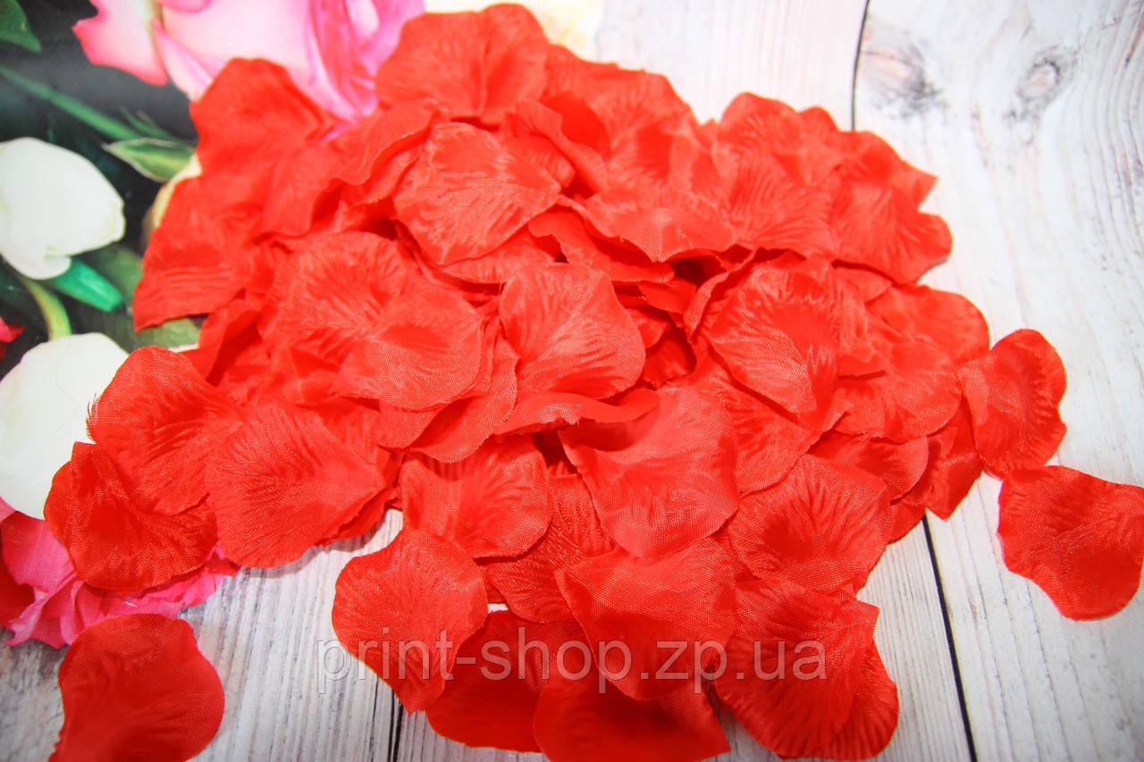 Штучні пелюстки троянд. Червоні пелюстки. Шовкові пелюстки.