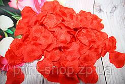 Искусственные лепестки роз. Красные лепестки. Шелковые лепестки.