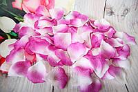 Искусственные лепестки роз. Бело-сиреневые лепестки. Шелковые лепестки.