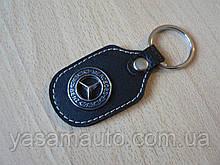 Брелок d продолговатый Mercedes Benz 97мм 8г коже заменитель коричневый эмблема Мерседес Бенц на авто ключи