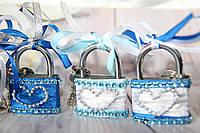 Синий свадебный замочек. Замок для влюбленных. Замочек любви.