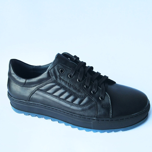 Кожаная повседневная мужская обувь Ікос черные туфли на шнуровке ортопедические