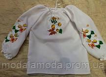 Вышиванка белая красивая с нежным цветочным узором  для девочки