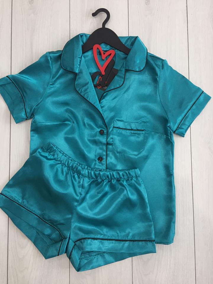 Бирюзовый пижамный комплект из атласа: рубашка и шортики