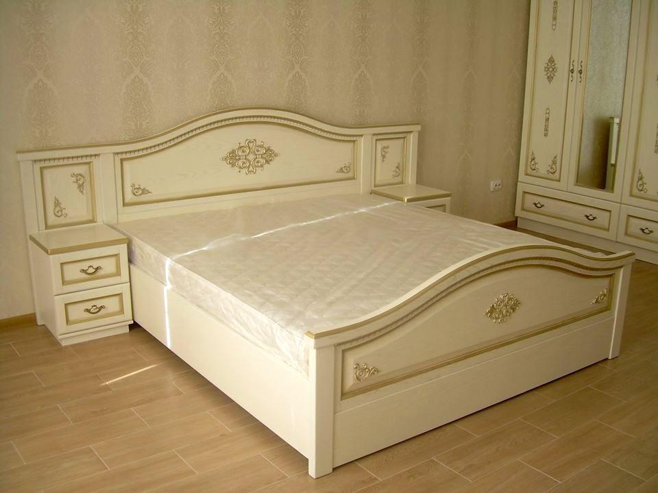 Мебель для спальни из массива дерева  Афродита с декором РКБ-Мебель , цвет на выбор
