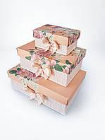 Прямоугольный подарочный комплект коробок ручной работы бежевого цвета с розами