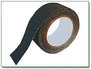 Противоскользящая лента 3М Safety Walk 710, 25ммх18,3м,черная грубой зернистости
