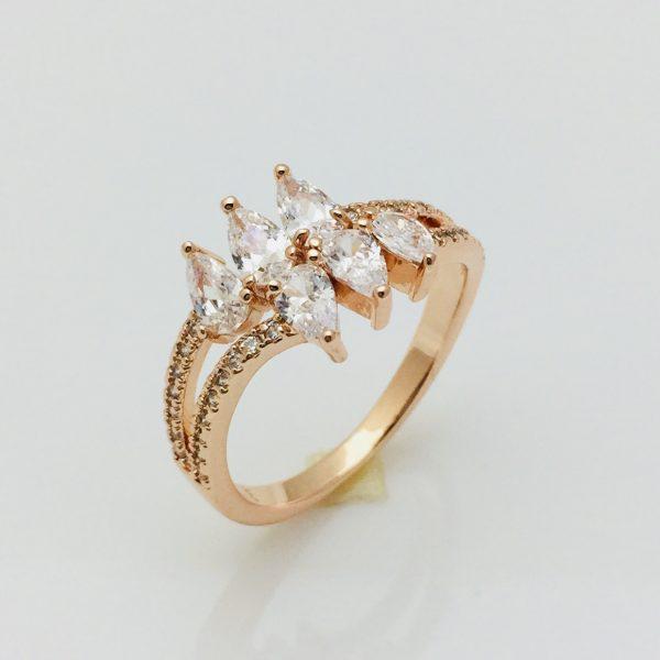 Кольцо Мальвина, размер 16, 17, 18, 19 ювелирная бижутерия