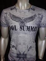 Модная мужская футболка на лето
