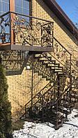 Кованная лестница уличная