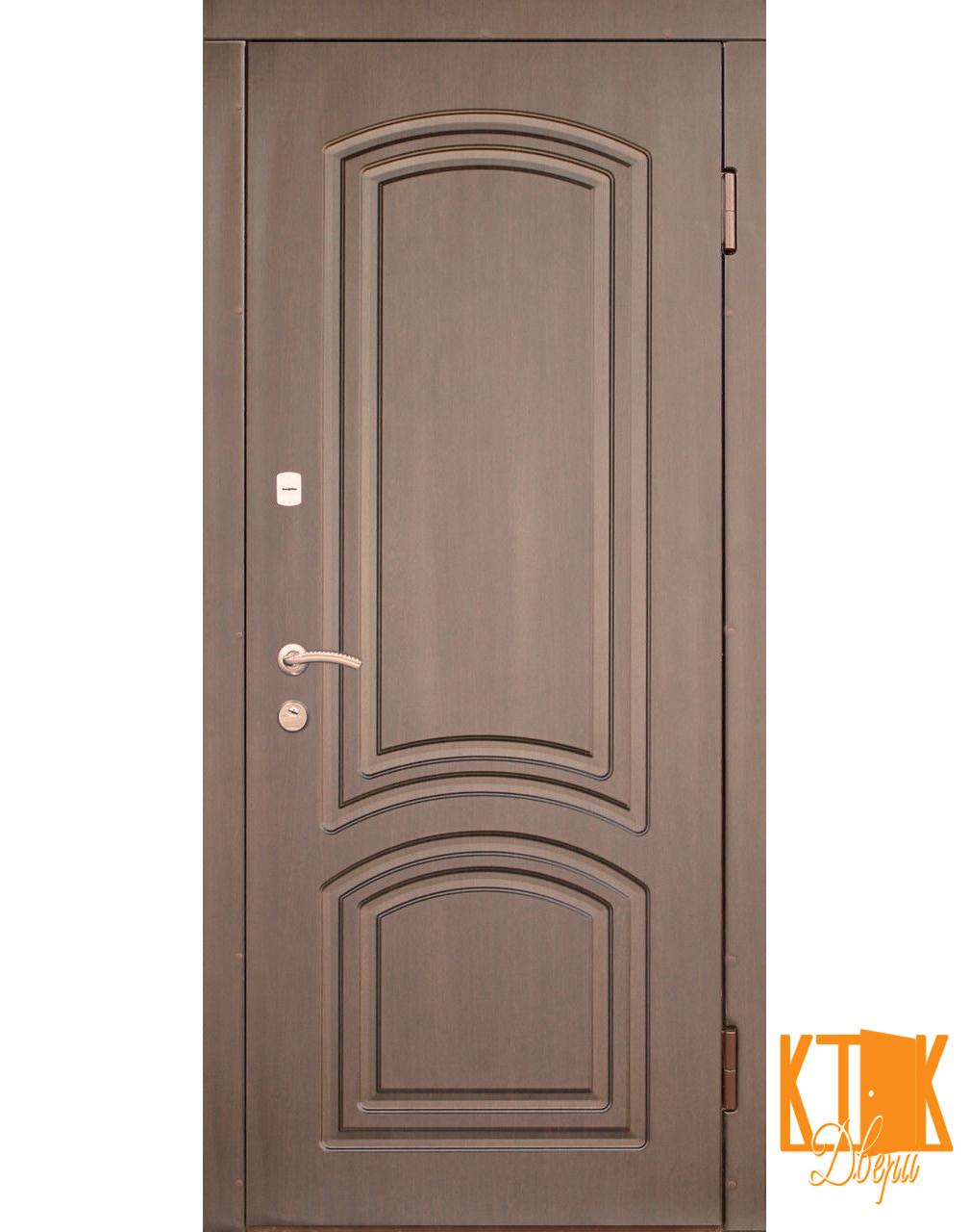 Уличная дверь серии Элегант-Антик (тёмный орех, медный антик)