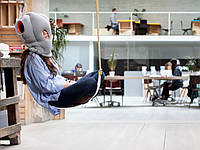 Подушка для сна в офисе Ostrich Pillow