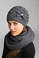 Женский комплект из шарфа-петли и шапочки на вязаной подкладке.