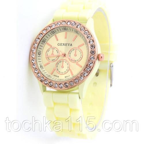 Часы женские Geneva Crystal лимнный реплика