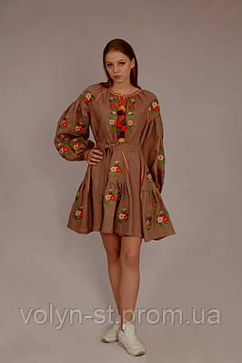 Цветочный рисунок на льняном платье