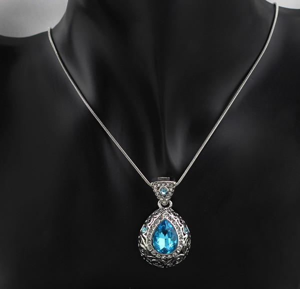 Красивый женский кулон с большим голубым камнем!