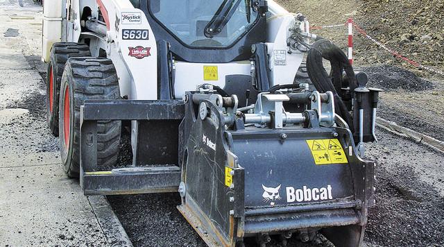 Мини-погрузчик Bobcat S630 востребован и на стройках, и в коммунальной сфере, и у фермеров