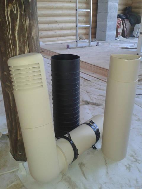 При расчете вентиляции цоколя или подвала необходимо учитывать конфигурацию цокольного пространства, влажность почвы и конструкций, дренажную систему объекта. В цоколе не должно оставаться НЕВЕНТИЛИРУЕМЫХ зон.