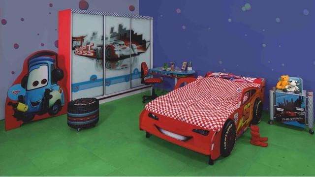 Кровать Тачки Дизайн Дисней Молния Маккуин гонки 900х2000. (2430х1010х765h) Интерьер.