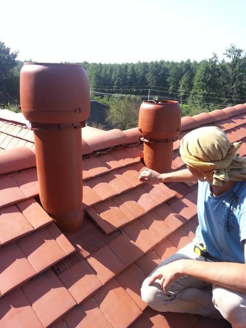 Вытягивается  из цокольного помещения (подвала) влажный воздух при помощи вытяжной трубы, в которой искусственно поддерживается постоянная тяга.