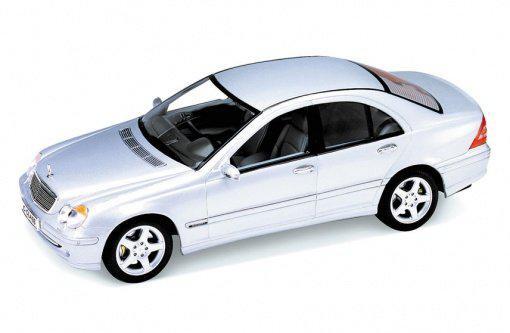 Автомодель 1:24 C-Class Mercedes-Benz Welly 22097