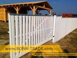 Откатные ворота с зашивкой металлическим штакетным профилем
