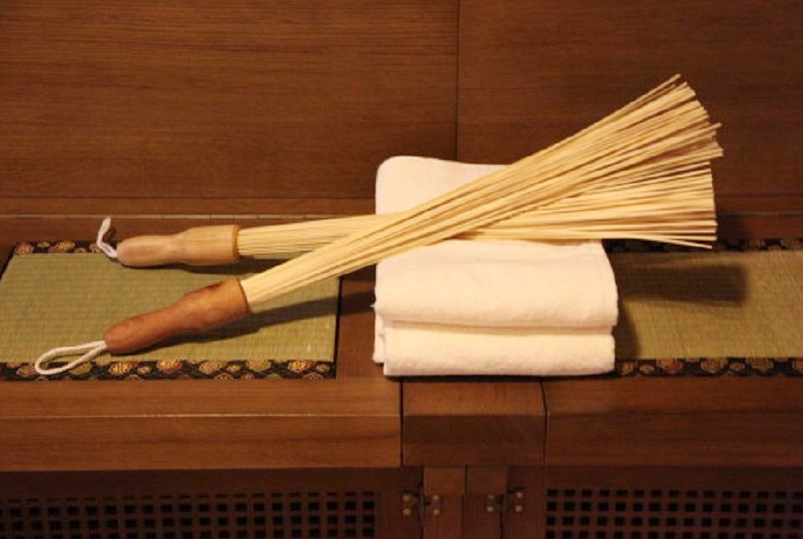 Массаж тела бамбуковыми вениками (розготерапия)