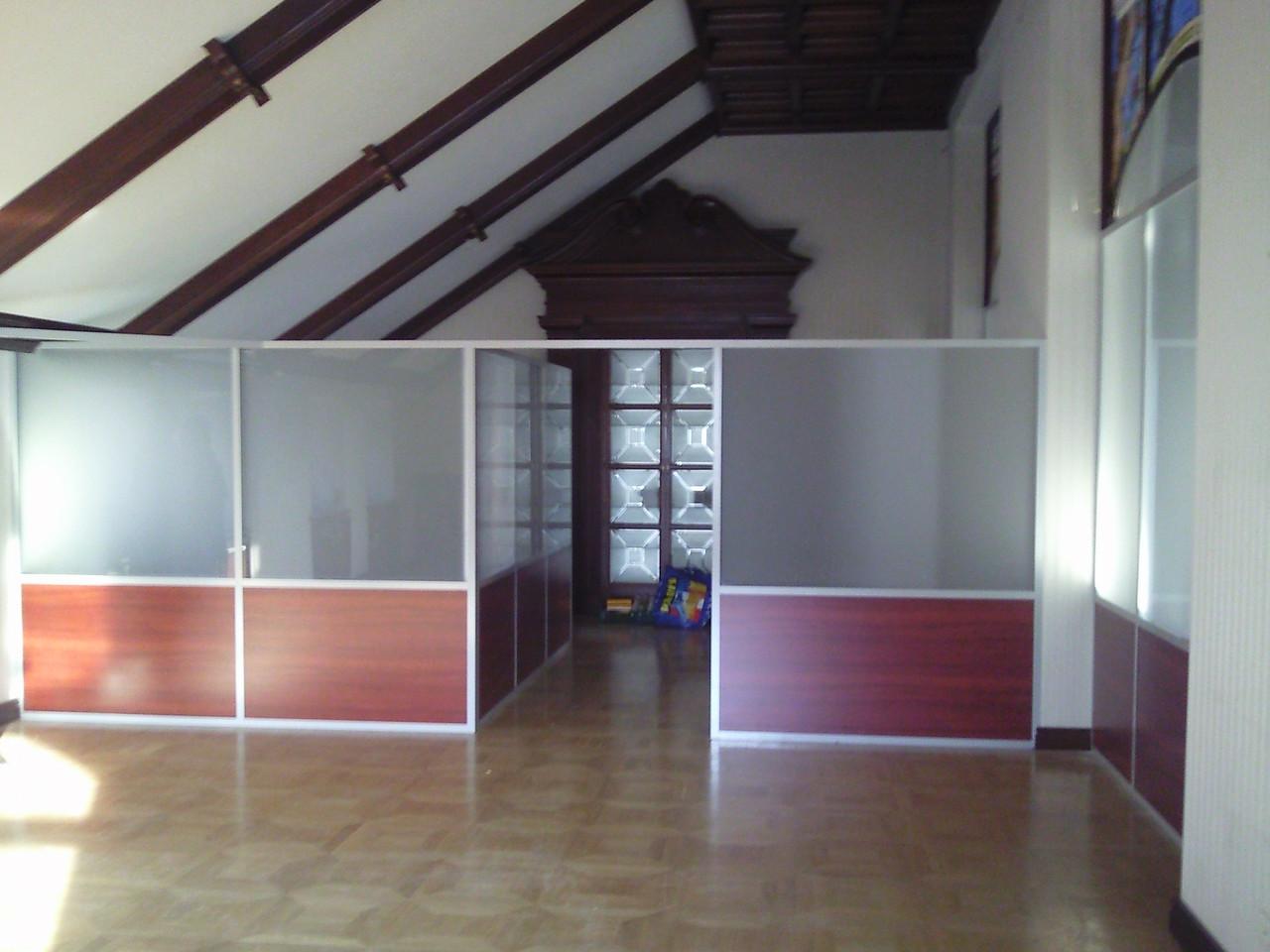 Офисные перегородки комбинированные, изготовление и монтаж