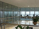 Перегородки из алюминия и стекла, изготовление и монтаж, фото 5