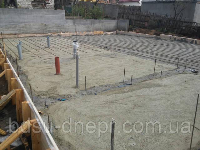 Фото уплотнения поверхности перед бетонированием