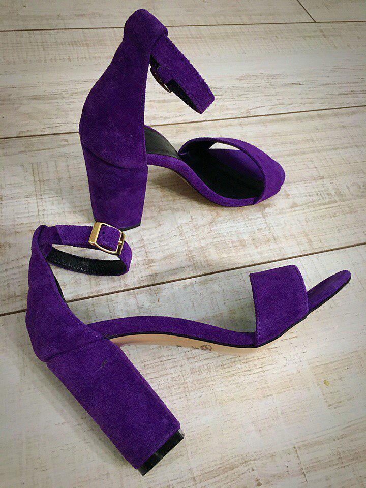 Фиолетовые Замшевые Босоножки на Толстом Каблуке — в Категории