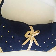 Женская джинсовая сумка-клатчик с золотистым бантиком