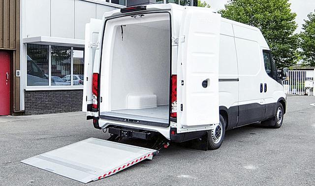 Гидролифт для микроавтобусов серии DH-LSP от DHOLLANDIA