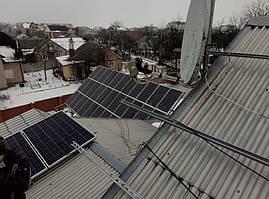 Установка солнечных панелей на крышу