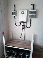 Установка  гибридного ИБП AXIOMA energy ISMPPT BF (Battery Free) 5000 и АКБ MHB battery 12В 150 А/ч