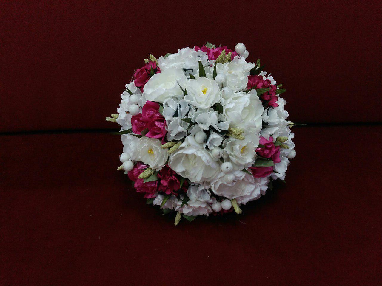 Свадебный букет-дублер айвори с фуксией