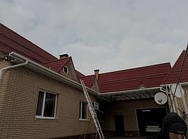 Монтаж системы креплений на скатную крышу