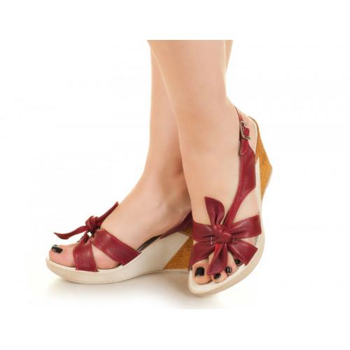 Босоножки на каблуке, из натуральной кожи, на застежке. Девять цветов! Размеры 39,40 модель S3707